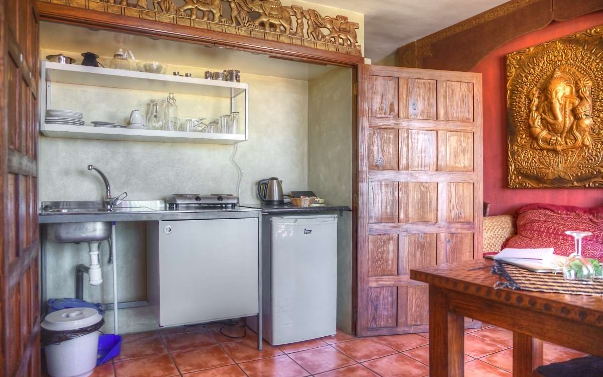Gomera Lounge Apartment India Kitchen